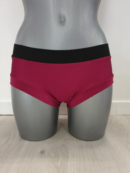 Basic Short Framboise / Noir